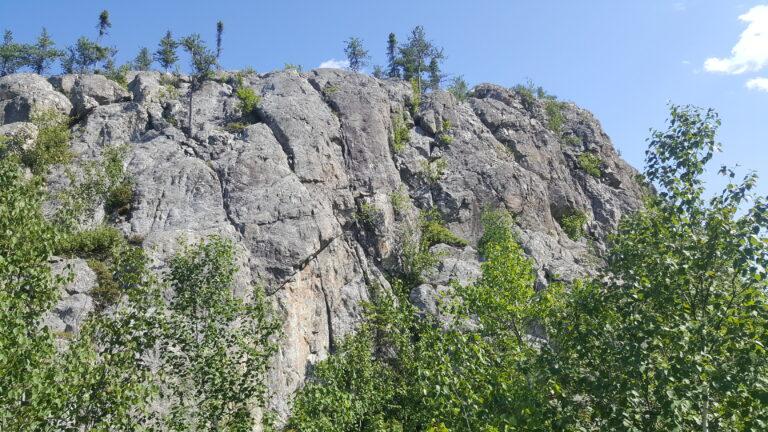 Randonnée dans les Collines d'Alembert en Abitibi-Temiscamingue au Québec.